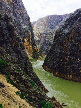 dark-canyon